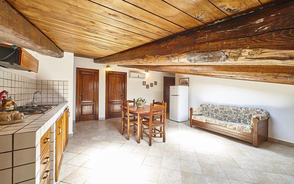 Appartamento la quercia agriturismo i moresani for Piani di casa in stile tradizionale